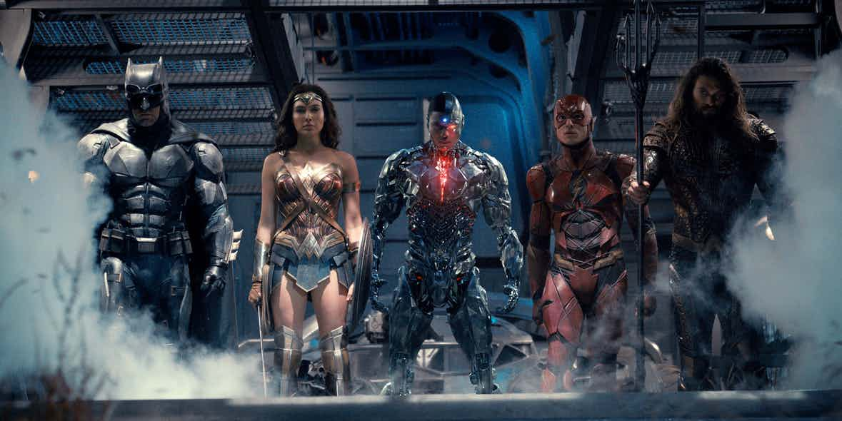 Justice-League-team-together